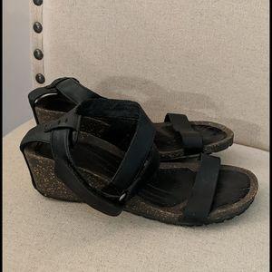 Teva Women's Cabrillo Leather Sandals